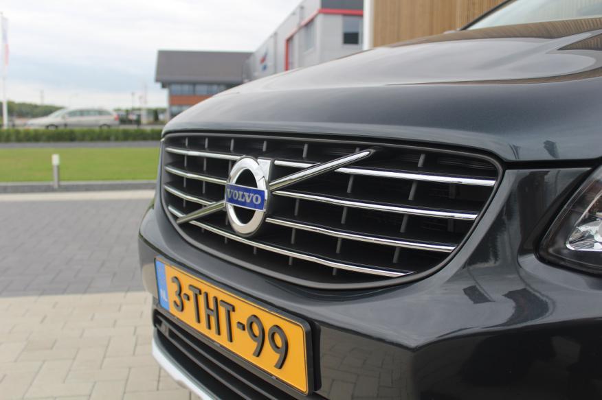 Volvo XC60 2.0 D4 FWD Summum